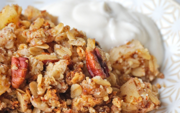 Healthy Vegan Apple Crumble (Gluten-free, no butter, refined sugar-free)